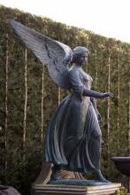 bronzen beeld engel
