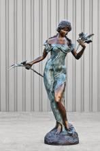 Bronzen beeld - vrouw met bloemen